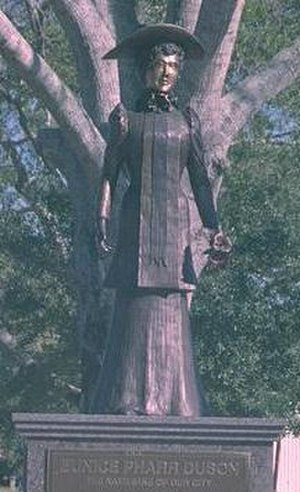 Eunice, Louisiana - Statue of Eunice Pharr Duson