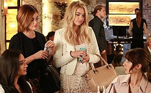 Of Late I Think of Rosewood - Image: PLL, time jump