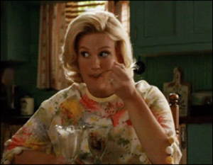 "Tea Leaves (Mad Men) - Image: January Jones as Fat Betty eating a sundae in ""Tea Leaves"""