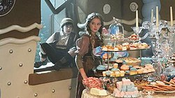 OUAT Hansel and Gretel house 01x09.jpg