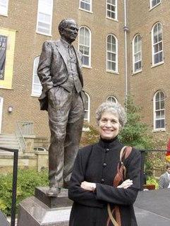 Gretta Bader sculptor from America