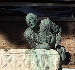 Museo di Roma in Trastevere - A monument to Trilussa in Piazza Trilussa close to the museum