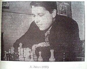 Alexander Zaitsev (chess player) - Alexander Zaitsev in 1957