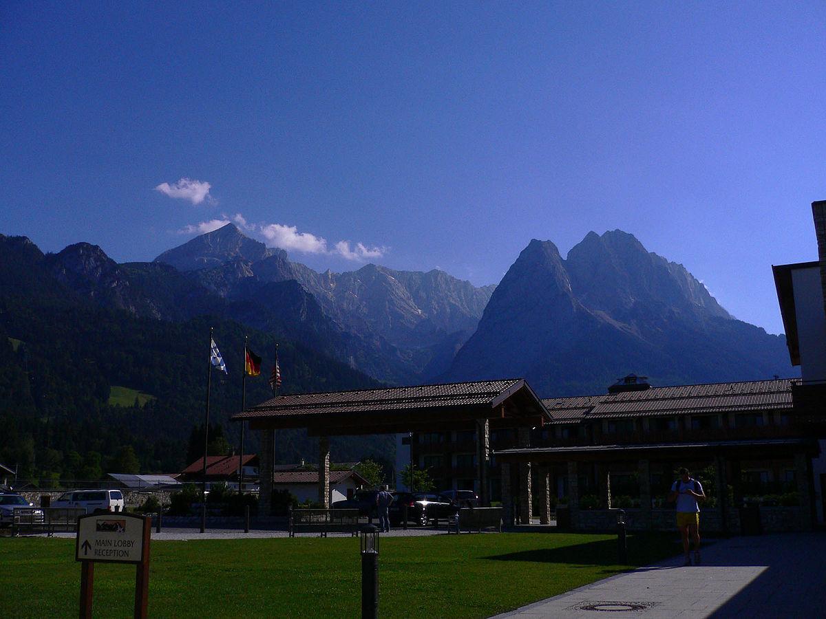 Edelweiss lodge and resort wikipedia for Designhotel garmisch