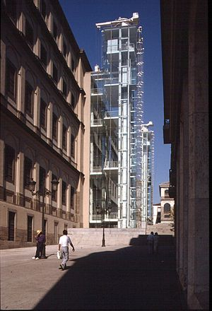 Ian Ritchie (architect) - Image: Reina Sofia Museum Of Modern Art Day view of a visitor tower