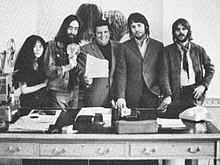 Allen Klein-with beatles.jpg