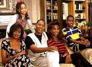 Hangin' with Mr. Cooper - Main cast, from Season 2 (l–r): Saundra Quarterman, Raven-Symoné, Mark Curry, Holly Robinson, and Marquise Wilson