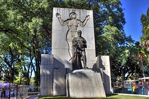 Lezama Park - Monument to Pedro de Mendoza