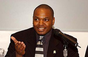 Pride Chigwedere - Dr Pride Chigwedere addressing a conference