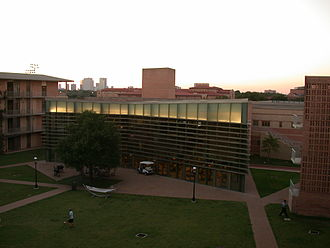 Residential colleges of Rice University - The commons at Wiess College