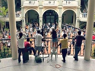 "I Do Bidoo Bidoo: Heto nAPO Sila! - The ""Blue Jeans"" scene, being shot in De La Salle University (Dasmariñas)."
