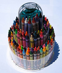Crayola plastic telescoping 150-crayon tower extended for use