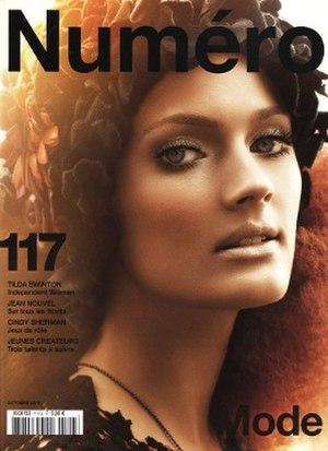 Numéro - Image: Numéro (magazine) 117 October 2010 cover