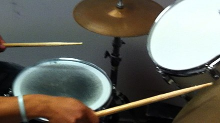 Mylar muffle ring on snare Ring muffle on snare.jpg