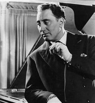 Grégoire Aslan - in Cet homme est dangereux (1953)