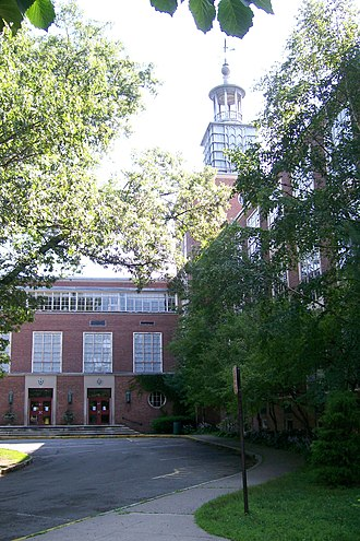 Wellesley High School - Wellesley High School in 2009 before demolition