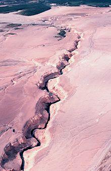 external image 220px-River_eroding_volcanic_ash_flow_Alaska_Southwest%2C_Valley_of_Ten_Thousand_Smokes.jpg