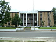 Calhoun County Courthouse in Blountstown