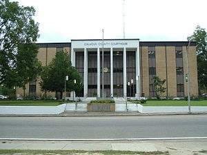Blountstown, Florida - Modern Calhoun County Courthouse