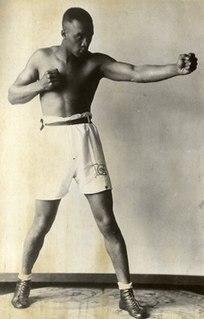 Larry Gains Canadian boxer