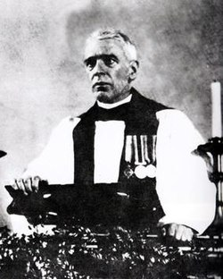 Davidson preaching 1932.jpg
