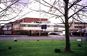 Elstree (song) - The song is a tribute to Elstree Studios.