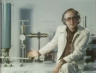 Connections (TV series) - James Burke, the creator and host of Connections, explains the Haber-Bosch Process
