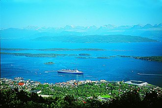 """History of Molde - Cruise ship in Molde, sometimes referred to as """"The Blue City"""""""