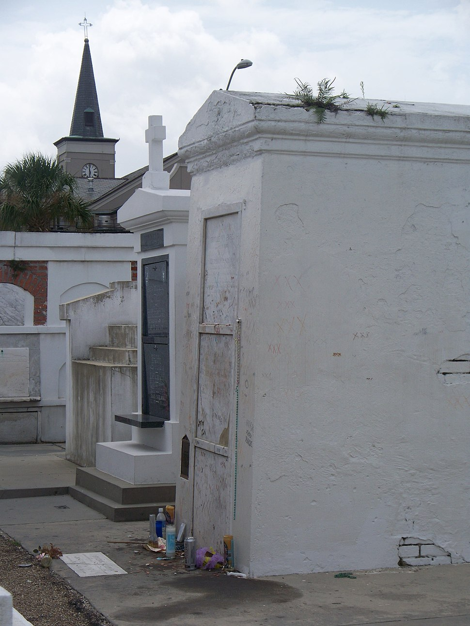 Tomb of Marie Laveau (12 Aug 2008)