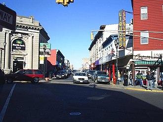 Bergenline Avenue - Image: Uptown union city 2
