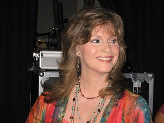 Lorianne Crook - Image: CMA06 Lorianne closeups 2