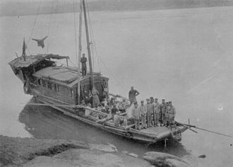 David Crockett Graham -  The Graham's houseboat on the Yangtze in 1920.