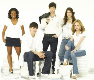 10 Things I Hate About You (TV series) - Cast of 10 Things I Hate About You television series