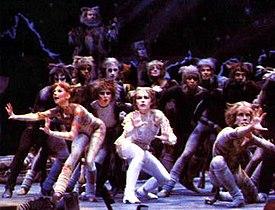 The original 1981 London cast of Cats.