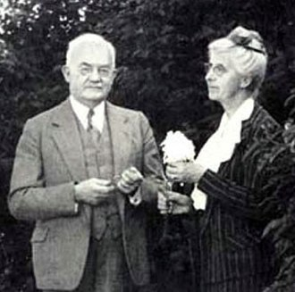 Frank Mace MacFarland - Malacologists Frank and Olive (née Hornbrook) MacFarland