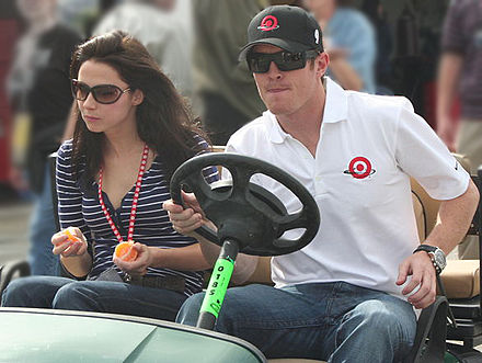 Scott Dixon and his wife, Emma Image-ScottDixonFianceEmmaDaviesimproved.jpg
