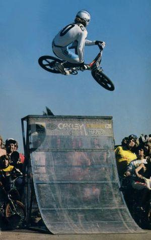 Bob Morales - Image: Mobo 81