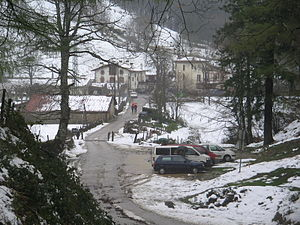 Zegama - Otzaurte right on the dividing line between major watersheds