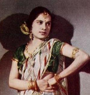 Shanta Apte - Shanta Apte in a still from Duhai (1943)