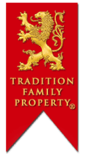 American Society for the Defense of Tradition, Family and Property - Rampant lion on a red standard, logo of the American TFP