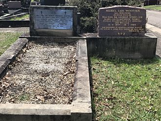 Macquarie Park Cemetery and Crematorium - Image: Graves of George and Muriel Wooten, Macquarie Park,2017