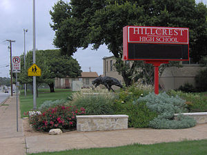 Hillcrest High School (Dallas) - Image: Hillcrest HS Dallas front