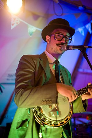 Mr. B The Gentleman Rhymer - Mr B Playing at a wedding in Oxfordshire