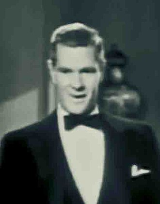 Paul Kelly (actor) - Paul Kelly (1937), in Fit for a King