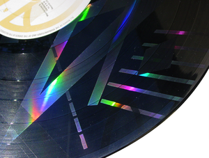 True Colours (Split Enz album) - Image: Splitenz etchedvinyl