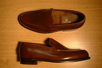 Venetian-style shoe - Venetian loafer in dark brown calf made by John Lobb