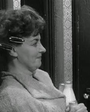 Avis Bunnage - Bunnage as Doris in The L-Shaped Room (1962)