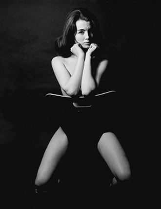Christine Keeler - Lewis Morley's 1963 portrait of Christine Keeler