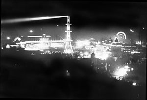 California Midwinter International Exposition of 1894 - The Exposition at night. Few of the surrounding areas were electrified, making the Fair a magical sight after dark.