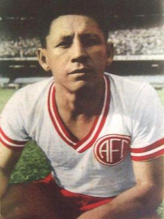 Martín Alarcón - Alarcón in the jersey of America FC, 1955